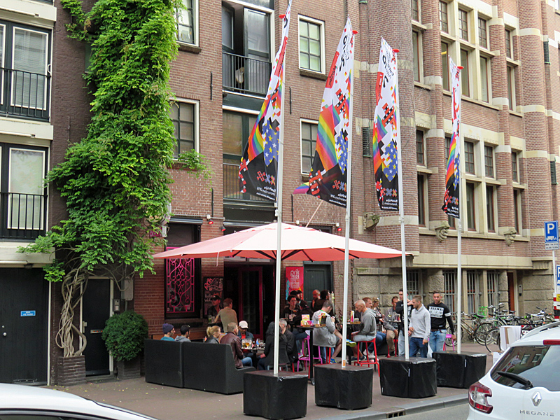 Spuistraat with gay café Prik in 2016